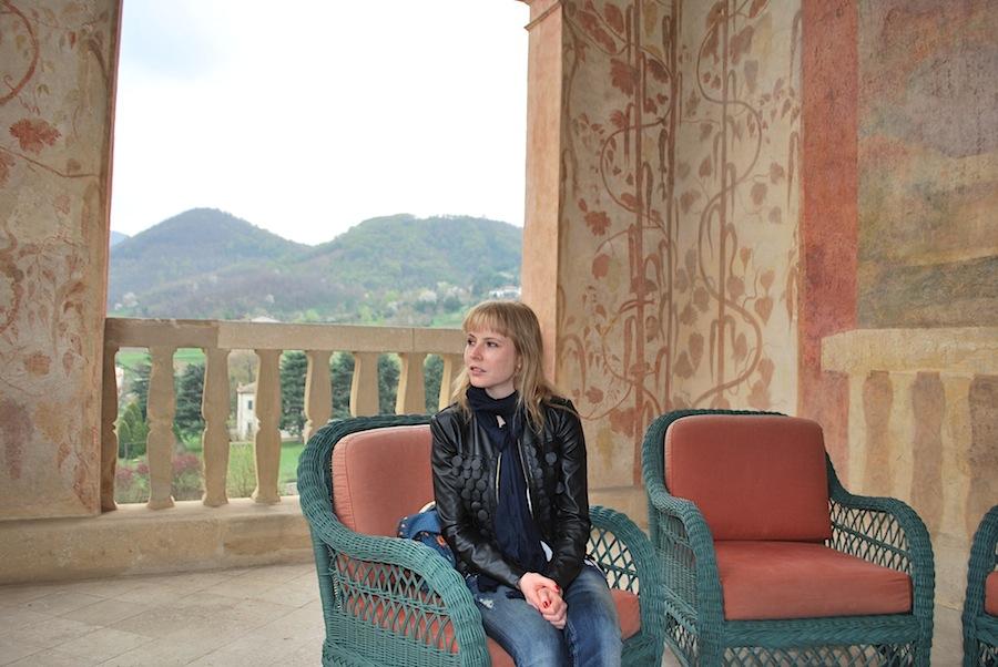 на веранде виллы Вескови (Villa dei Vescovi)