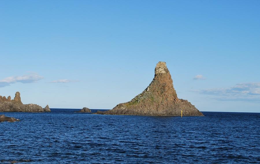 остров Циклопа Сицилия