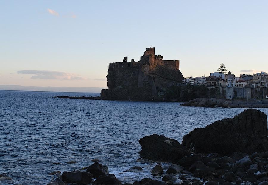 замок Ачи-Кастелло, Сицилия