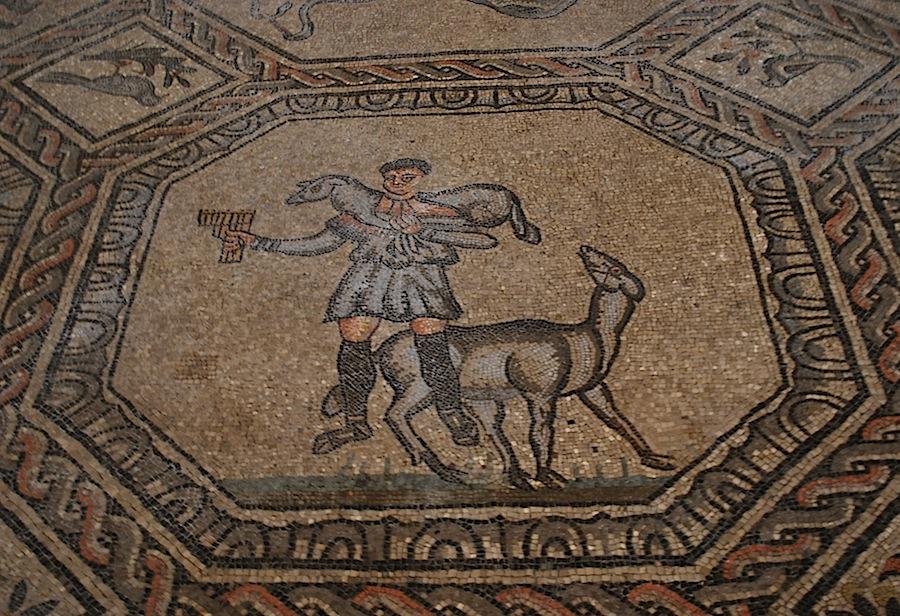Христос, мозаики Аквилеи, четвертый век нашей эры