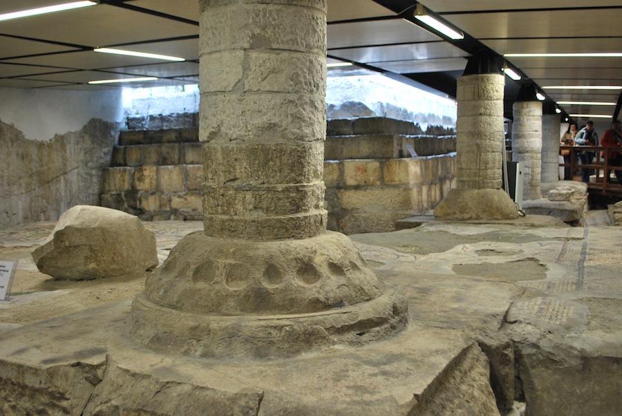 левый крипт базилики Аквилеи
