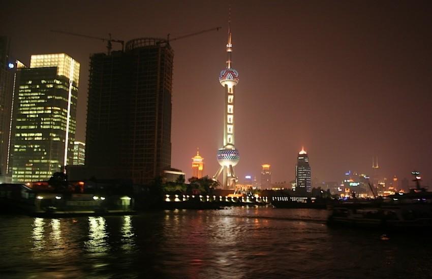 река Хаунпу и розовая телебашня Восточная жемчужина, Шанхай