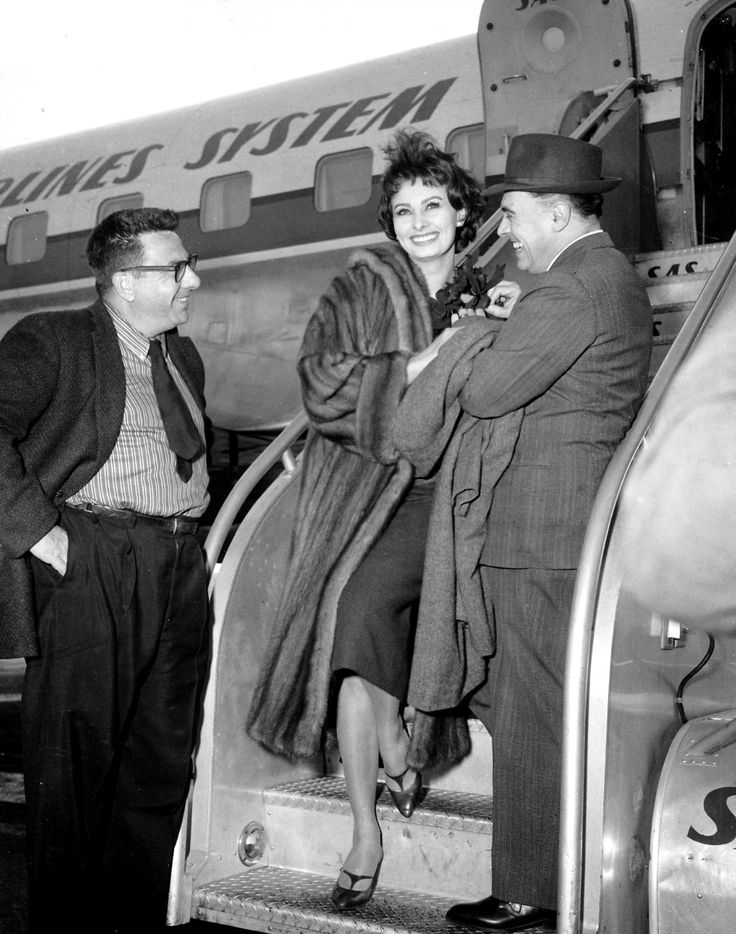Sophia Loren and Carlo Ponti arrive to Los Angeles from Copenhagen, 1958.