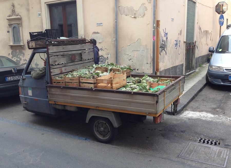 грузовичок с артишоками, Ачитрецца, Сицилия