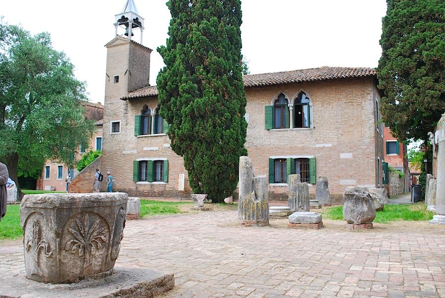 руины близ собора, Торчелло