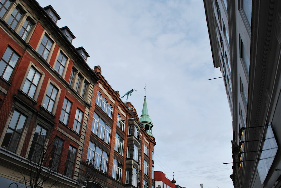 статуя Меркурия на крыше, Копенгаген