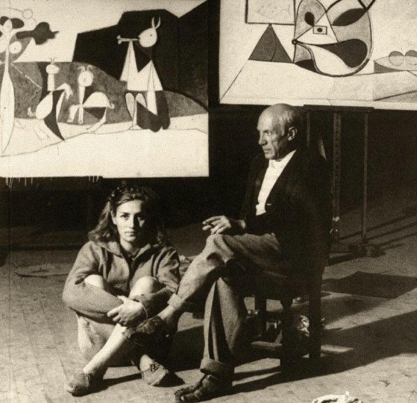 Франсуаза Жило и Пабло Пикассо в студии художника в Антибах