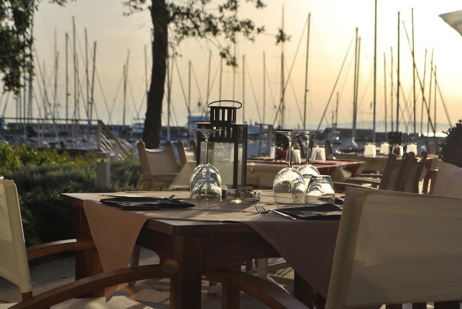 клуб и ресторан Purobeach в Marino di Scarlino, Тоскана