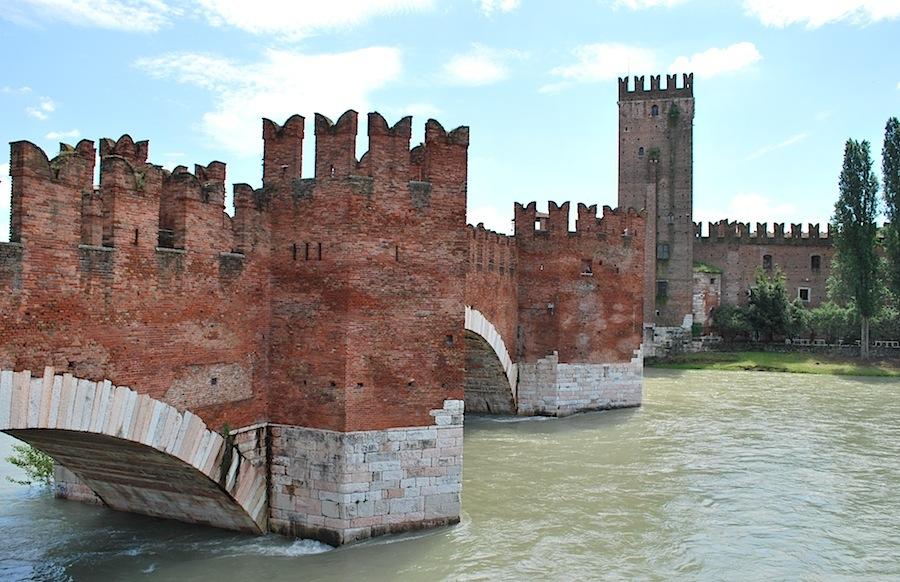 замок Скалиггеров в Вероне