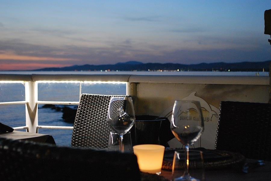 закат в ресторане Cala Felice