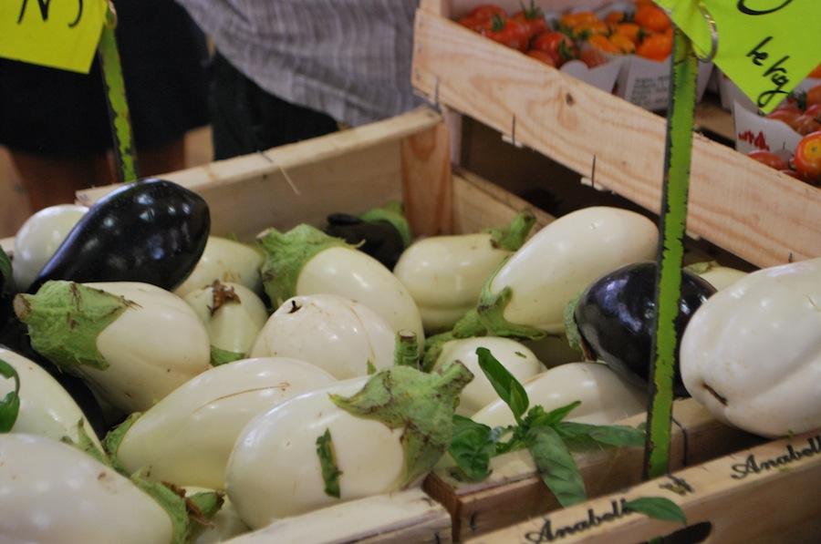 баклажаны на Провансальском рынке