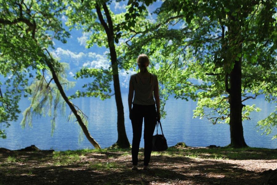 на берегу озера Lox-Oy