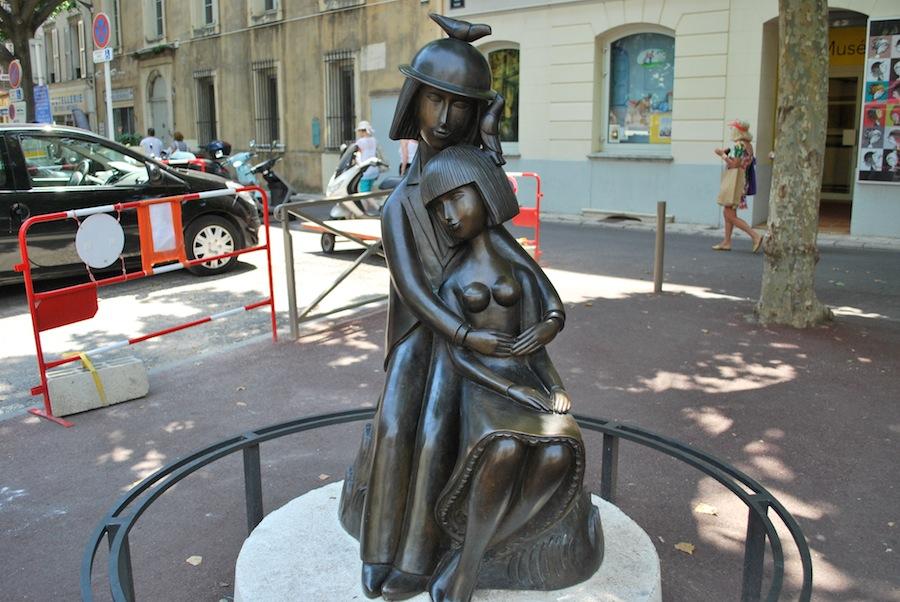 скульптура Влюбленные Раймона Пейне, Антиб