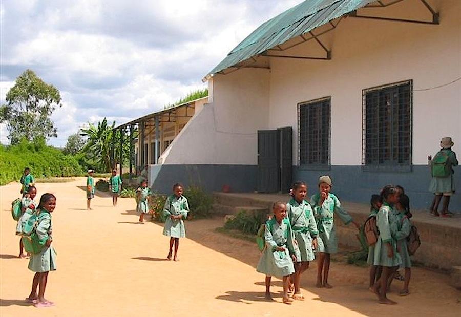 школа на Мадагаскаре