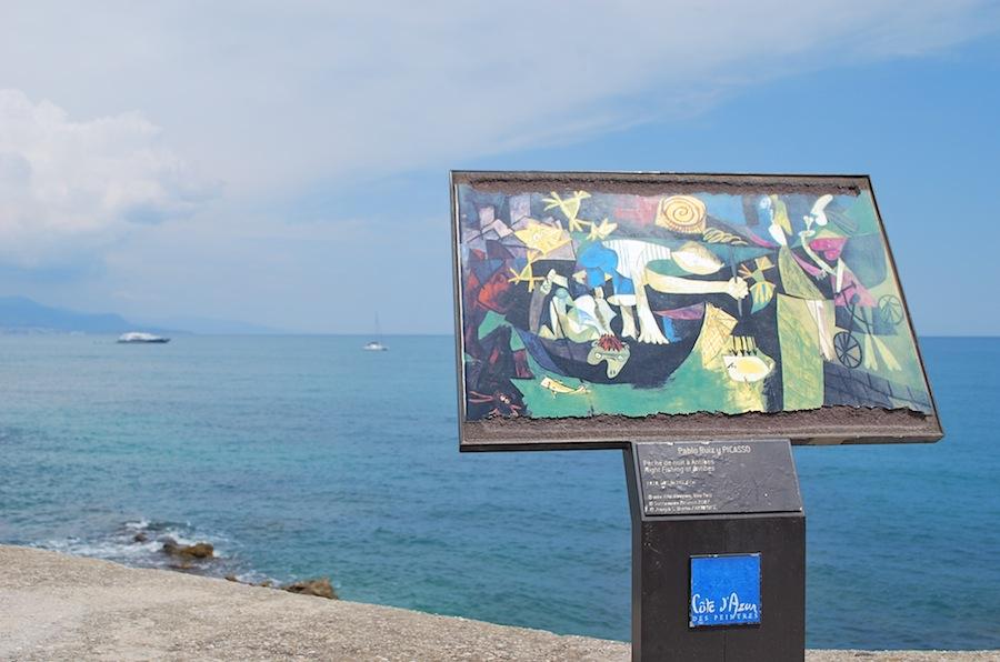 """Репродукция картины """"Ночная рыбалка в Антибах"""" Пабло Пикассо близ Музея Пикассо."""