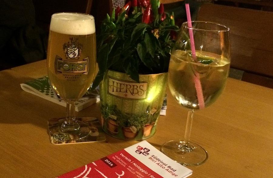 пиво Forst и аперитив Hugo