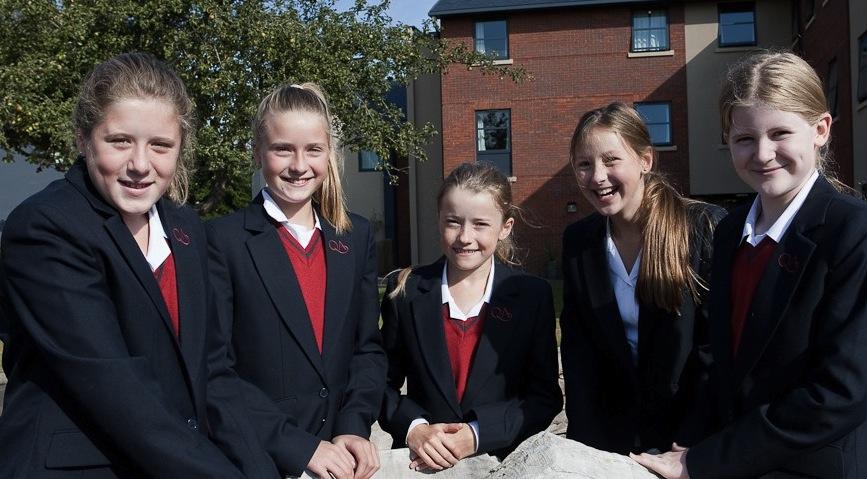 учащиеся школы имени королевы Анны, Великобритания
