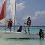 Вместо школы — учеба на Мальдивах