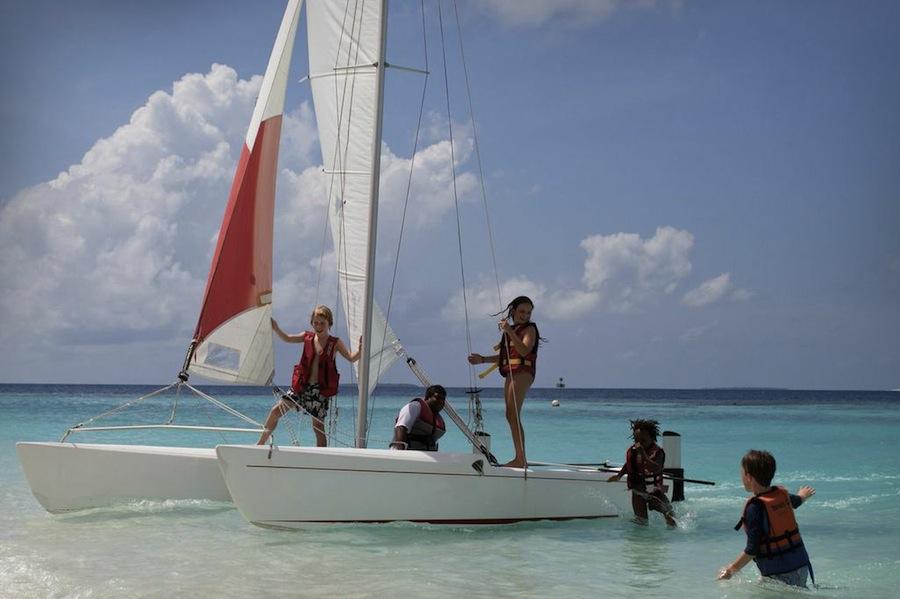 дети на Мальдивах