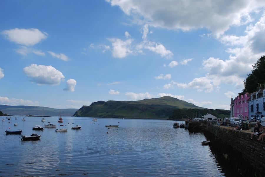 гавань с рыбацкими лодками, город Портри, Шотландия