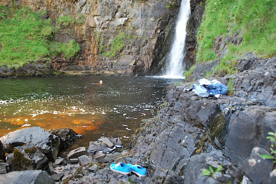 водопад, остров Скай, Шотландия
