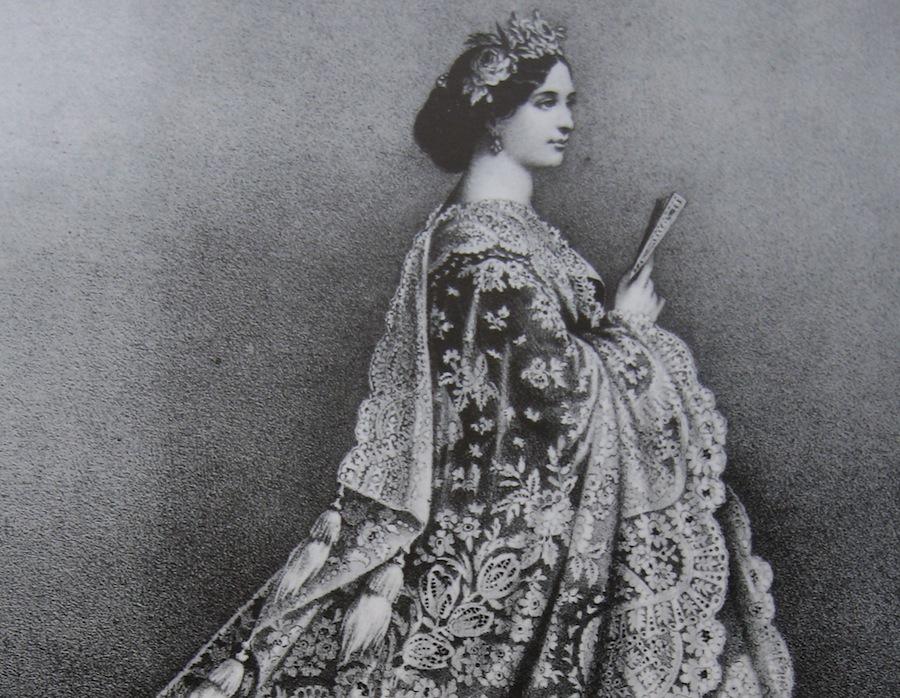 дама в кружевной накидке, 1865 год