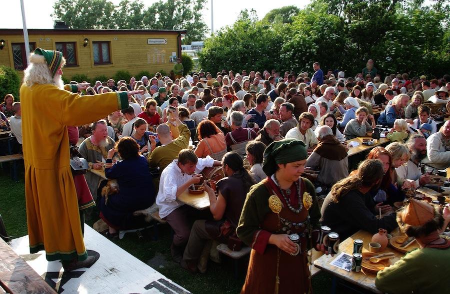 На фото: фестиваль викингов в Foteviking в 2009 году, источник фото: http://www.fotevikensmuseum.se
