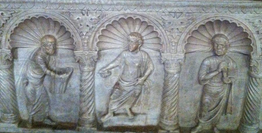 барельеф саркофага, Равенна