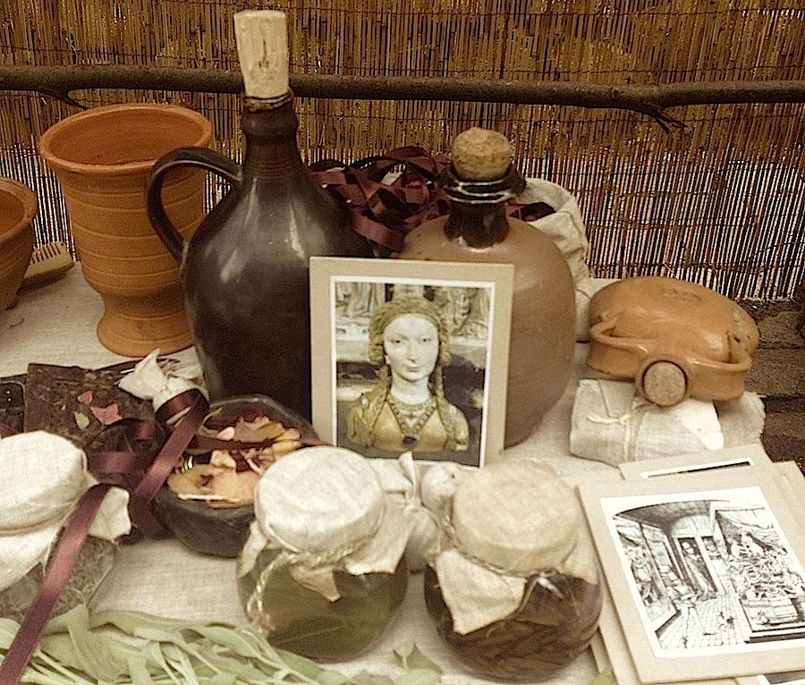 средневековые бьюти-продукты в салоне красоты