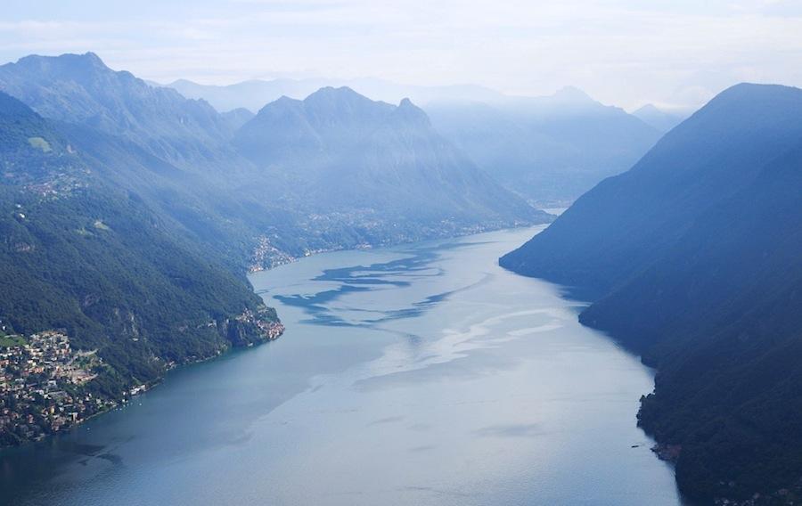 Вид на озеро Лугано с горы Сан-Сальваторе, Швейцария