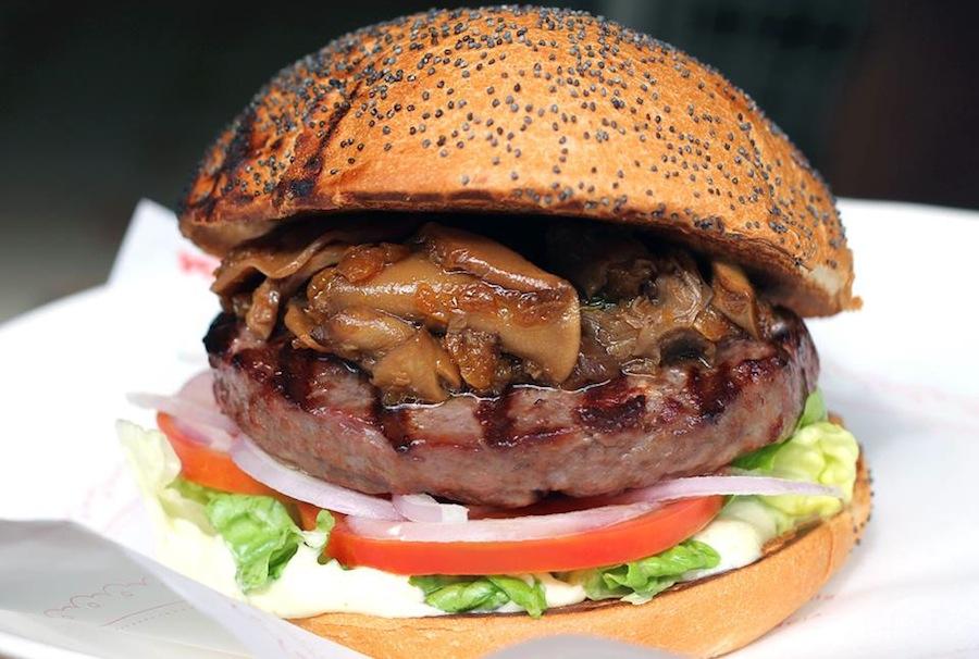 Бургер в Kiosko Burger
