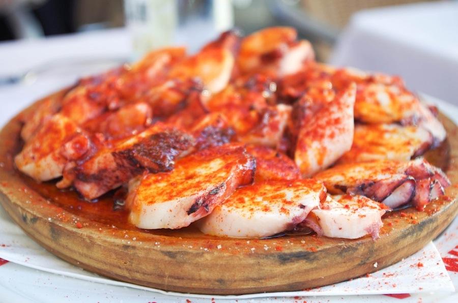 Еда в Барселона, Испания, El Rey De la Gamba-1, осьминоги с перцем и маслом