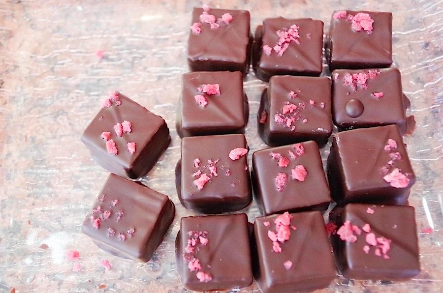 Durig, конфеты с лепетками маргариток