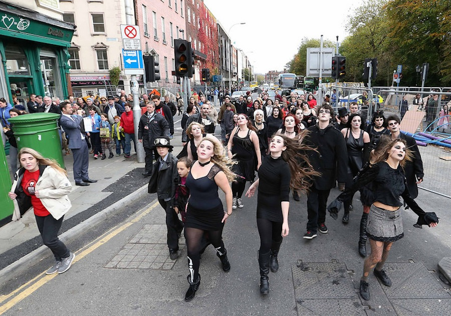 танцоры - вампиры в Дублине