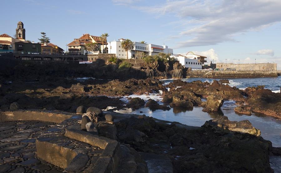 Costa_de_Puerto_de_la_Cruz,_Tenerife,_España,_2012-12-13,_DD_07