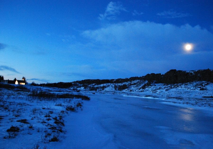 рассвет в долине Тингветлир, Исландия