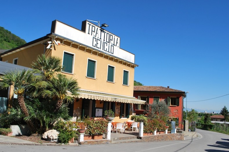 Townhouse cheaply in Montegrotto Terme