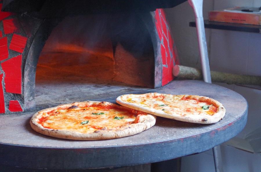 Пицца с пастой из пелати