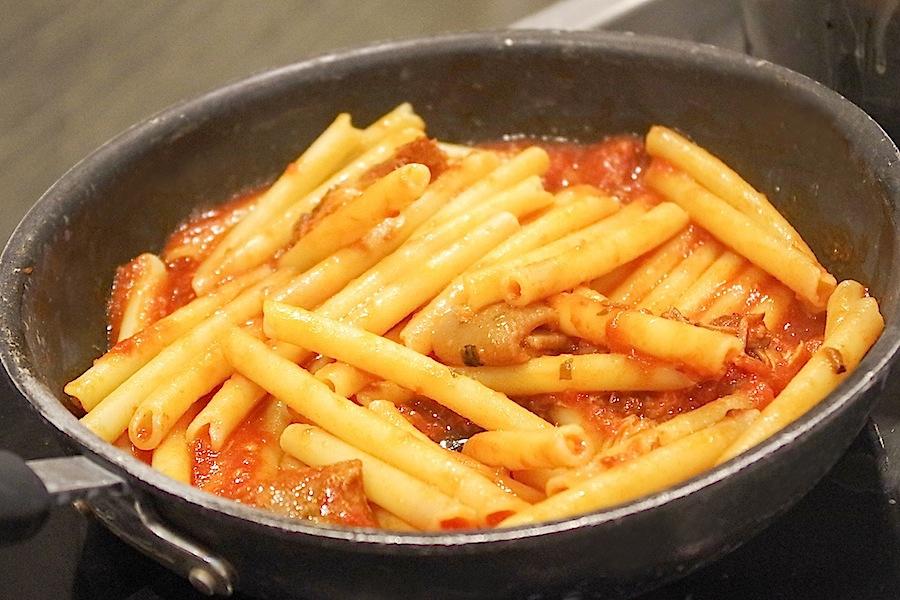 пенне с томатным соусом