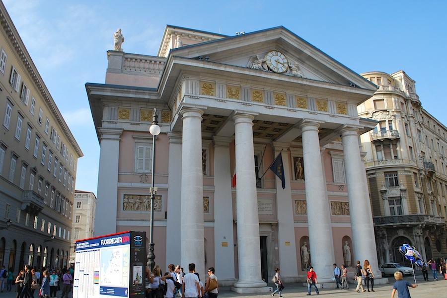 здание биржи, Триест