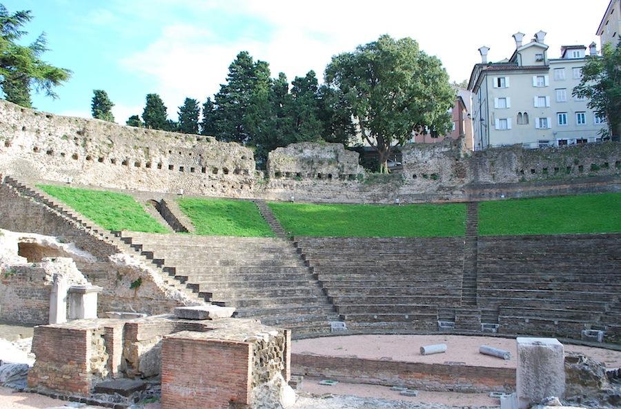 древнеримский амфитеатр в Триесте