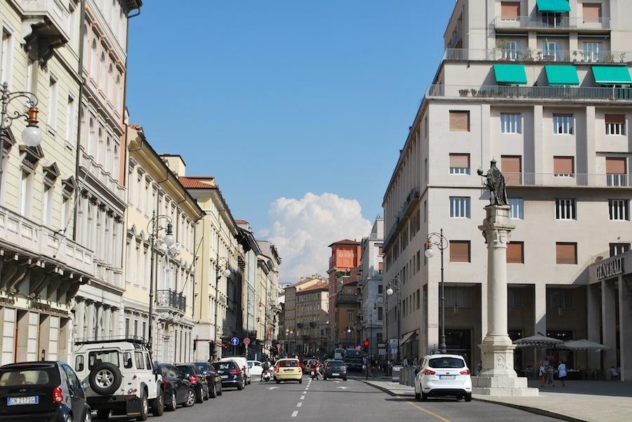 улица в центре Триеста