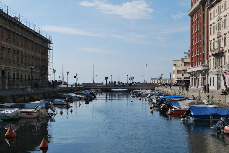 гранд канал, Триест, Италия