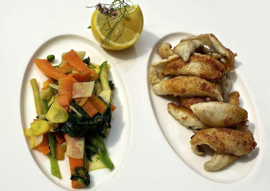 Блюдо filets de perche в Beau-Rivage Palace (Лозанна)