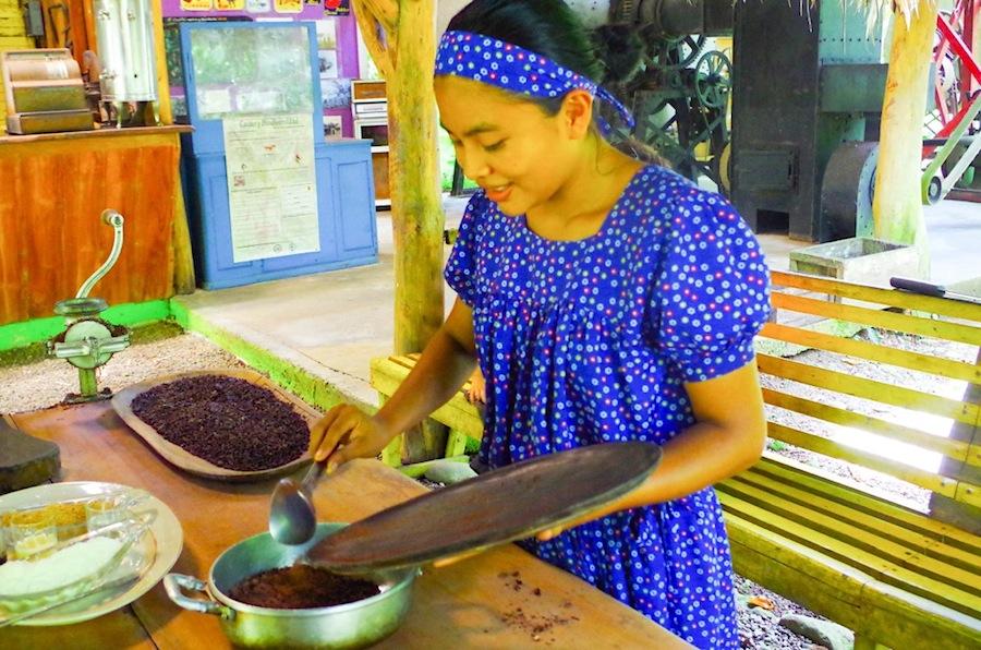 Брибри с шоколадом, приготовление шоколада, Коста-Рика