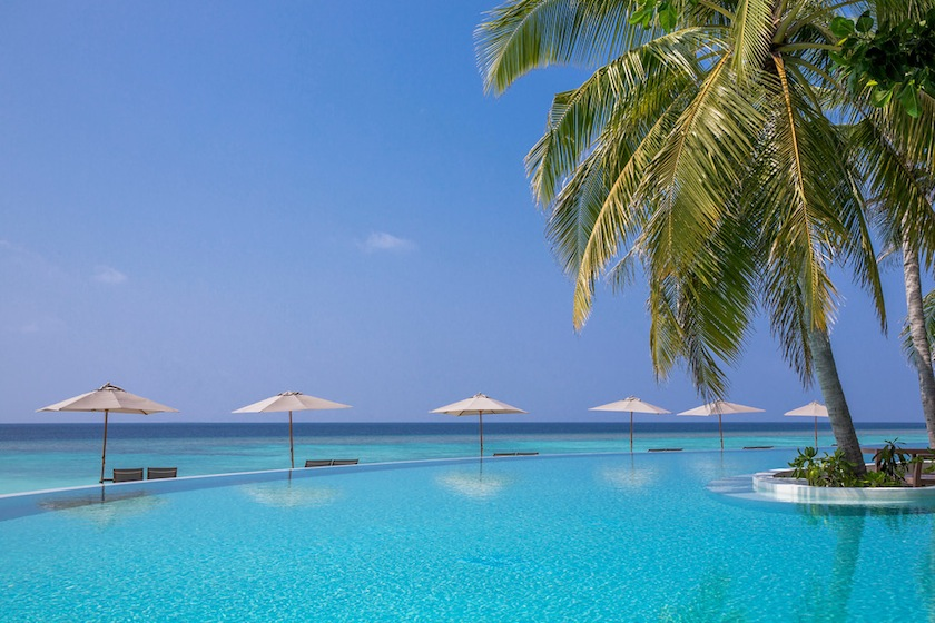 бассейн на курорте курорте Amilla Fushi, Мальдивы
