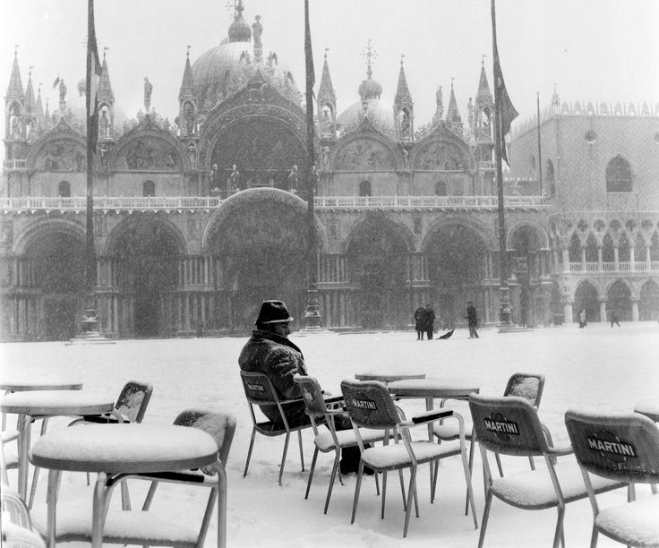 Piazza San Marco, Venice 1963 by Winston Vargas