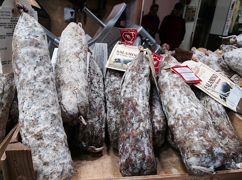 salamino сinto senese на центральном рынке Флоренции