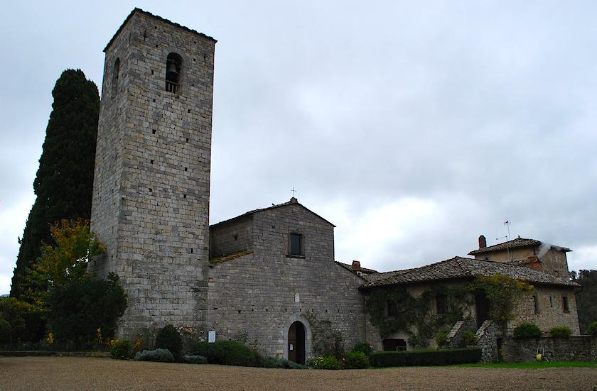 башня и церковь в Castello di Spaltenna