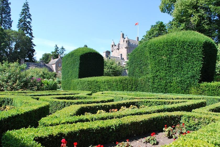 садовый лабиринт, замок Каудор, Шотландия